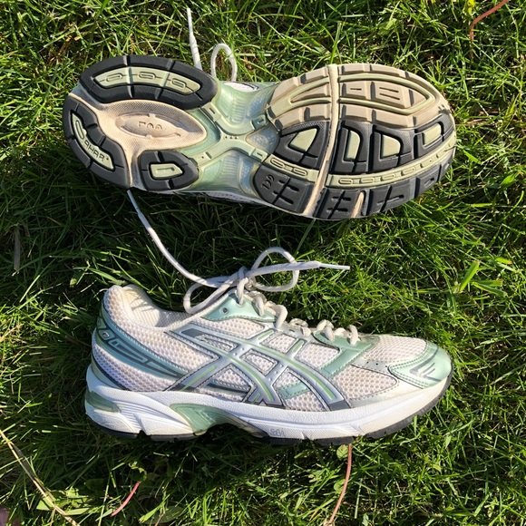 asics running shoe laces